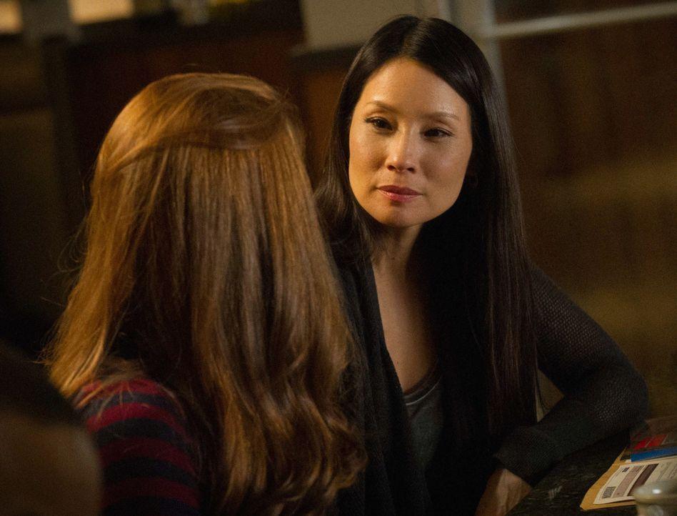 Ein neuer, spannender Fall wartet auf Watson (Lucy Liu, r.) ... - Bildquelle: CBS Television