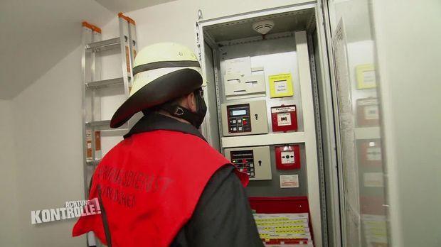 Achtung Kontrolle - Achtung Kontrolle! - Thema U.a.: Brandmeldung Im Museum - Feuerwehr München