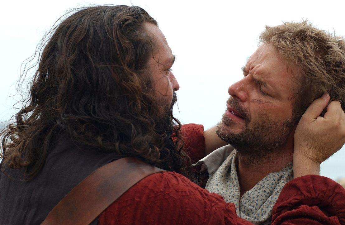 Geraten aneinander: Kapitän Blackbeard (Angus MacFadyen, l.) und Israel Hands (Anthony Green, r.) ... - Bildquelle: Hallmark Entertainment