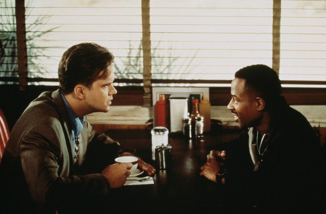 T. Paul (Martin Lawrence, r.) und Nick Beame (Tim Robbins, l.) entwickeln einen Plan, der einem jeden zugute kommen soll ? - Bildquelle: Buena Vista International