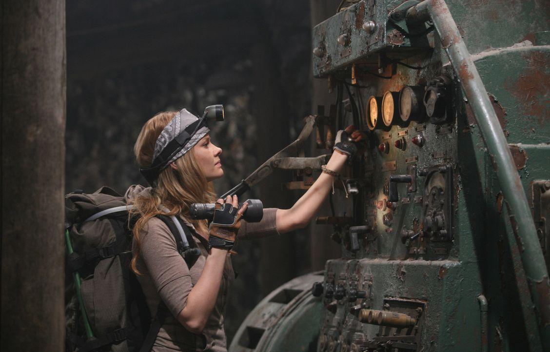 Probiert die Technik in der alten Mine aus: Hannah (Anita Briem)... - Bildquelle: 2007 New Line Productions, Inc. and Walden Media, LLC.