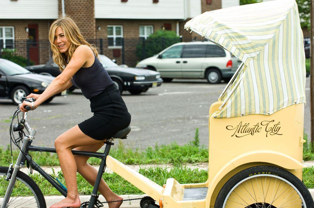 Die Reporterin Nicole Hurly (Jennifer Aniston), versucht alles, um ihren Ex-Mann, dem Kautions-Cop Milo Boyd, der es auf sie abgesehen hat, zu entko... - Bildquelle: 2010 Columbia Pictures Industries, Inc. and Beverly Blvd LLC. All Rights Reserved.