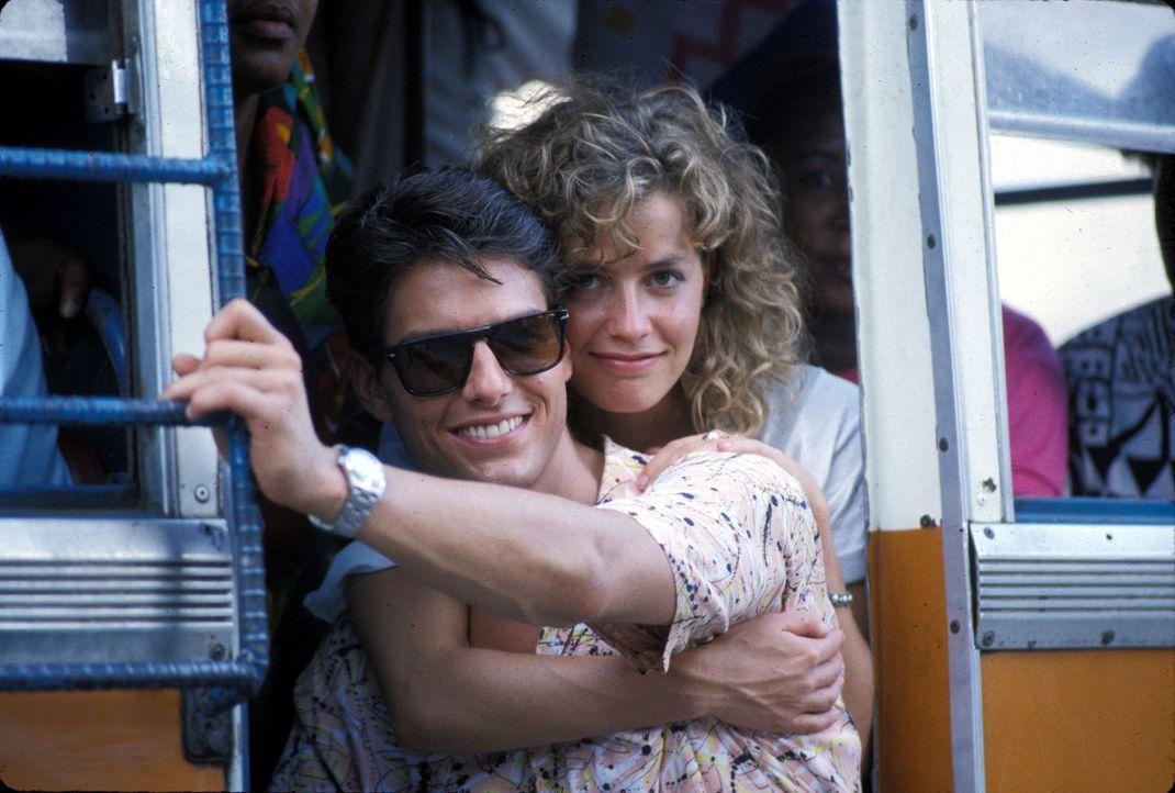 Verliebt: der ehrgeizige Brian (Tom Cruise, l.) und die liebenswerte Jordan (Elisabeth Shue, r.) ... - Bildquelle: Touchstone Pictures