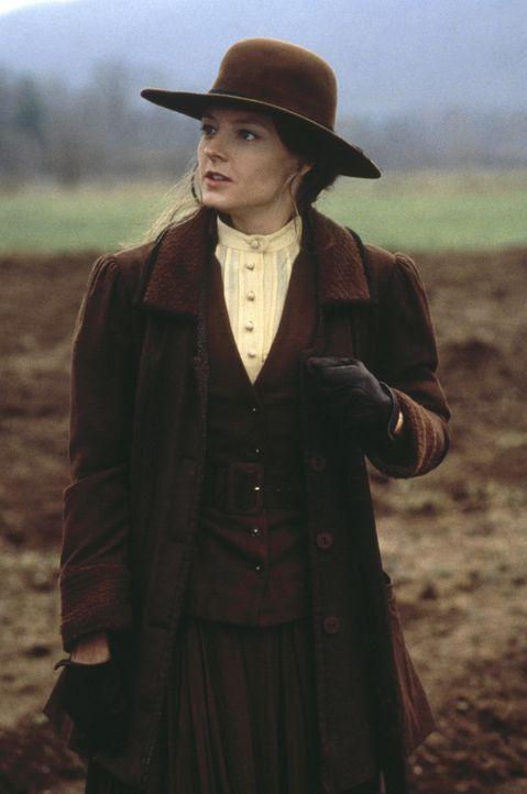Da ihr Mann als verschollen gilt, muss Laurel (Jodie Foster) ihr Gut alleine bewirtschaften. Sie plant, ihren Verehrer Orin Meecham zu heiraten. - Bildquelle: Warner Bros.
