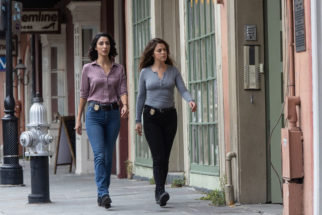 Special Agent Hannah Khoury (Necar Zadegan, l.); Tammy Gregorio (Vanessa Ferlito, r.) - Bildquelle: Sam Lothridge 2019 CBS Broadcasting, Inc. All Rights Reserved. / Sam Lothridge