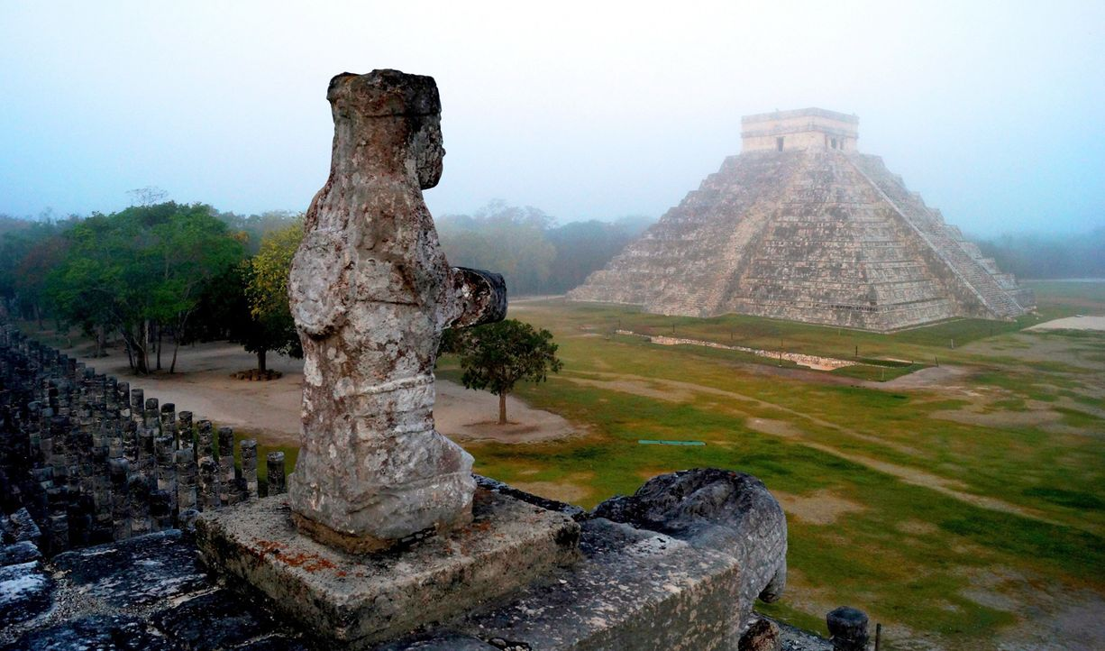 Mexiko-Pyramide-in-Chichen-Itza-Yucatan-dpa - Bildquelle: Mauricio Marat/Archäologisches und Historisches Institut/ÍNAH/dpa