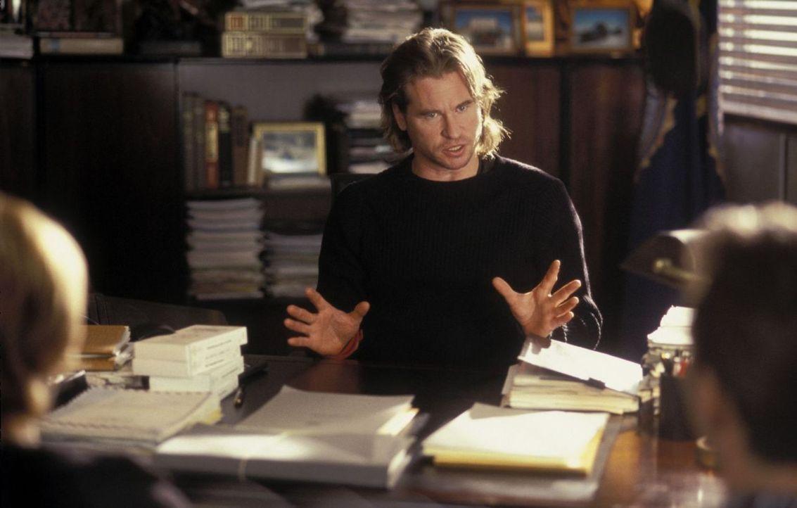 """Harris (Val Kilmer) trainiert junge Agenten für die """"Psychological Profiling Division"""" des FBI und schickt sein siebenköpfiges Team auf eine verlass... - Bildquelle: Tobis Film"""