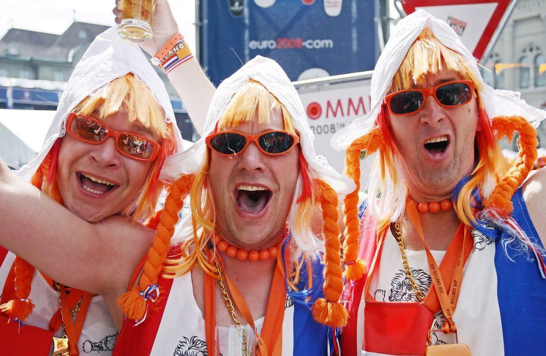Die Fans der Oranjes - 5 - Bildquelle: dpa