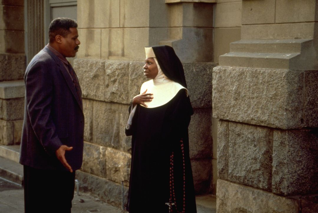 Eddie Souther (Bill Nunn, l.); Deloris (Whoopi Goldberg, r.) - Bildquelle: Suzanne Hanover Touchstone Pictures & © Buena Vista Pictures. All Rights Reserved. / Suzanne Hanover