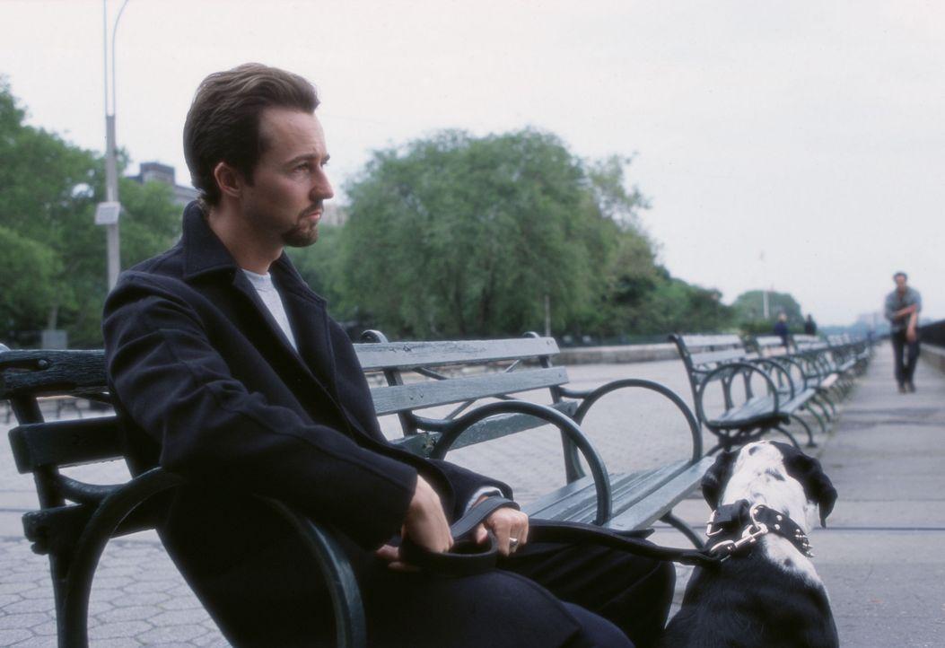 In 25 Stunden muss Drogendealer Monty (Edward Norton) eine siebenjährige Haftstrafe antreten. Er beschließt, seinen letzten Tag in Freiheit zu nut... - Bildquelle: Touchstone Pictures
