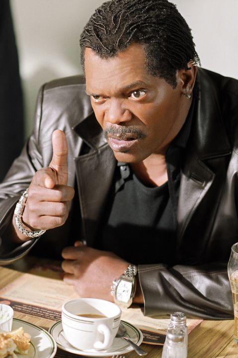Undercover-Cop Derrick Vann (Samuel L. Jackson) will einen ganz großen Coup einer Gruppe von Waffenhändlern platzen lassen: Getarnt als Käufer, w... - Bildquelle: 2005 Warner Brothers