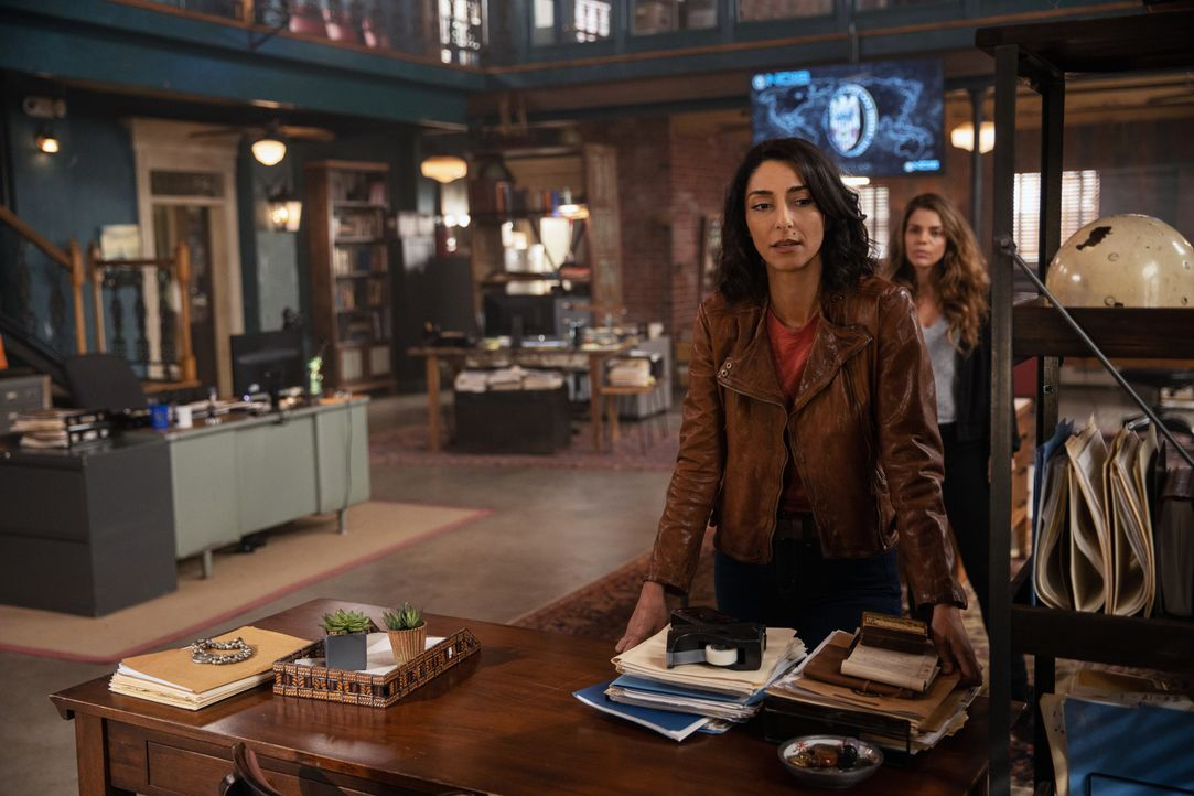 Special Agent Hannah Khoury (Necar Zadegan, v.) - Bildquelle: Sam Lothridge 2019 CBS Broadcasting Inc. All Rights Reserved. / Sam Lothridge