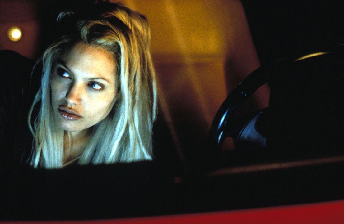 Im gnadenlosen Wettlauf mit der Zeit: Sara (Angelina Jolie) ... - Bildquelle: Touchstone Pictures