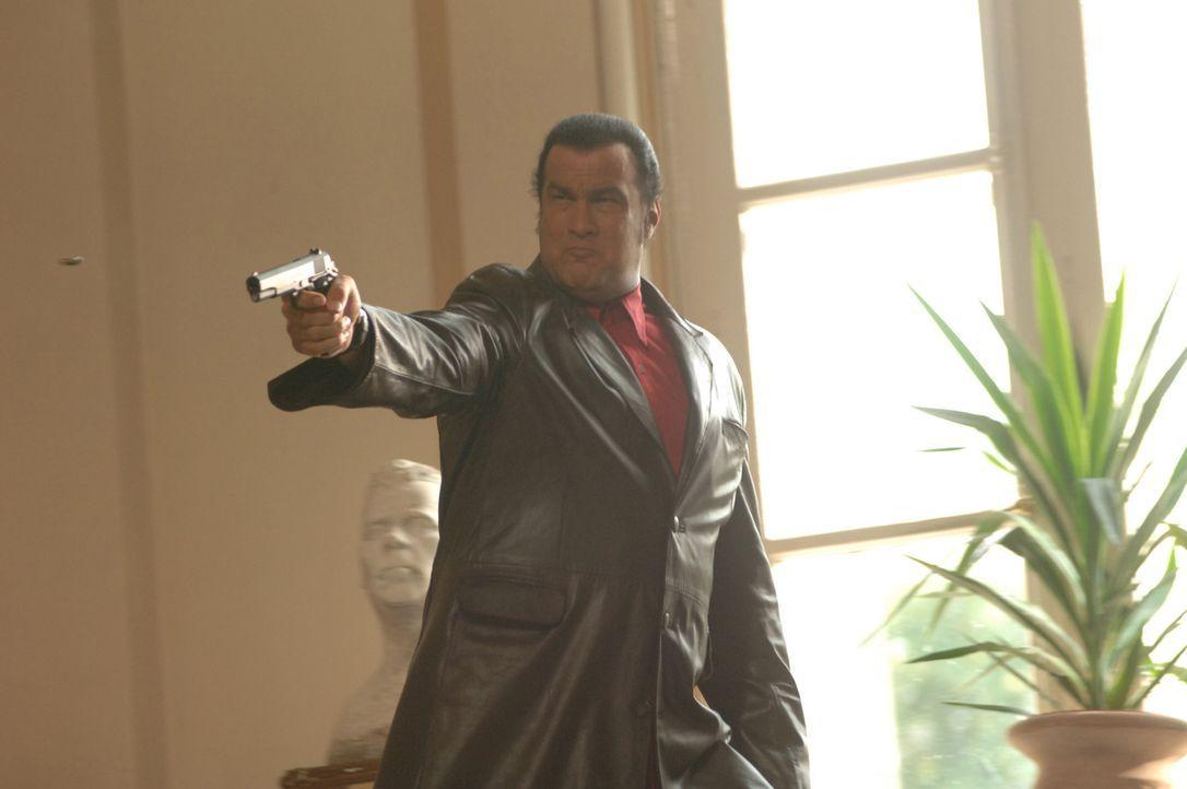 Spezialagent Jack Foster (Steven Seagal) hat kein Mitleid mit den Terroristen, die seine kleine Tochter entführt haben ... - Bildquelle: 2006 Micro Fusion 2005-1 LLP. All rights reserved.
