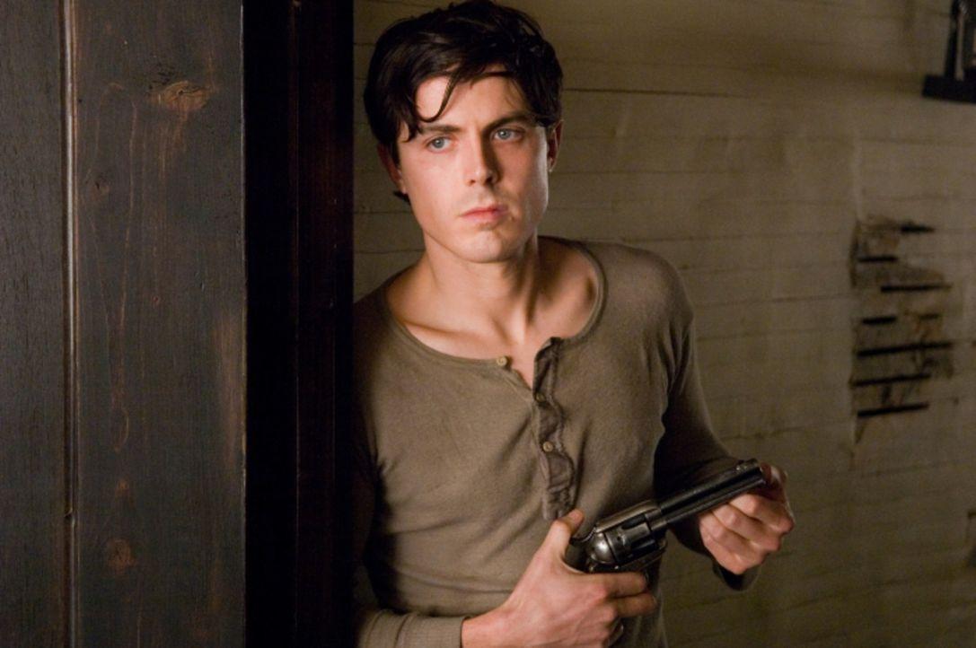 Robert Ford (Casey Affleck) bewundert den Banditen Jesse James über alles - er ist ein idealistischer und ehrgeiziger Junge, der sich nichts mehr w... - Bildquelle: TM and   2007 Warner Bros. Entertainment Inc. All Rights Reserved.