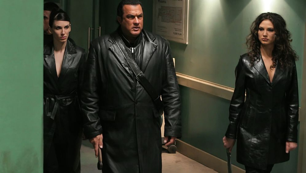 Steven Seagal - Against the Dark - Bildquelle: 2008 Worldwide SPE Acquisitions Inc. All Rights Reserved.