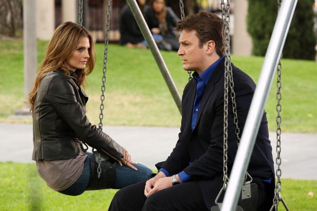 Müssen sich über die Zukunft ihrer Beziehung klar werden: Castle (Nathan Fillion, r.) und Beckett (Stana Katic, l.) - Bildquelle: ABC Studios