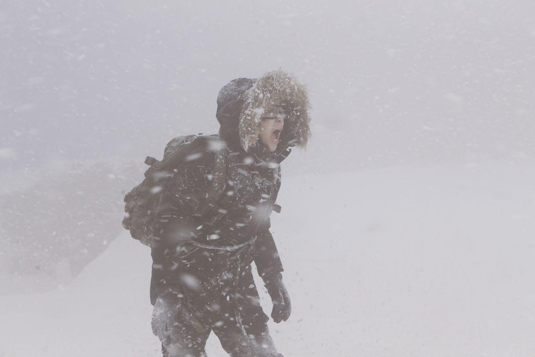 Happy (Jadyn Wong) und das Team müssen eine Spezialeinheit retten - bei den eisigen Temperaturen eine wahre Herausforderung ... - Bildquelle: Sonja Flemming 2015 CBS Broadcasting, Inc. All Rights Reserved. / Sonja Flemming