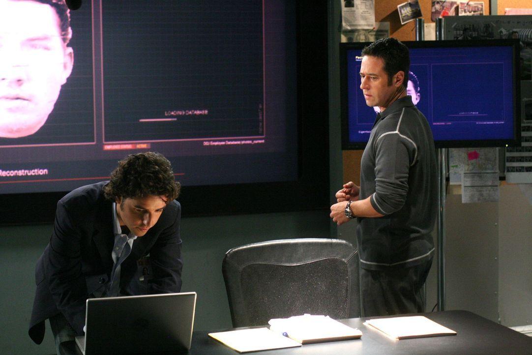 Der Mord an der Dolmetscherin Kim bereitet Don (Rob Morrow, r.) und Charlie (David Krumholtz, l.) Kopfzerbrechen ... - Bildquelle: CBS International Television