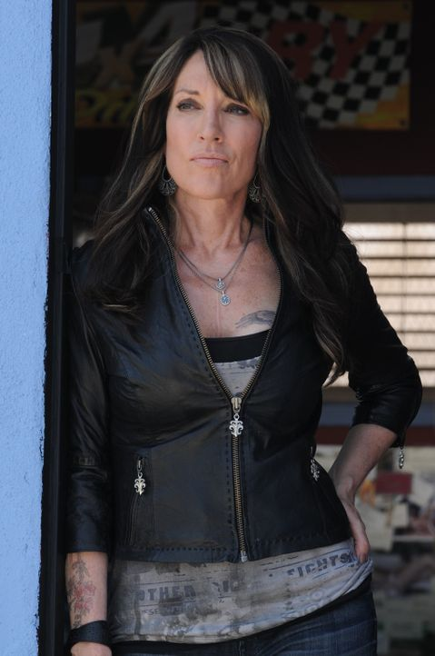 Das Unwissen darüber, was ihre zukünftige Schwiegertochter weiß, treibt Gemma (Katey Sagal) fast in den Wahnsinn ... - Bildquelle: 2011 Twentieth Century Fox Film Corporation and Bluebush Productions, LLC. All rights reserved.