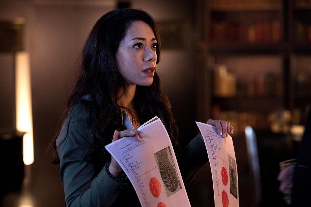 Ella (Aimee Garcia) wird in Lucifers ganz persönliche Ermittlungen hineingezogen, ohne zu ahnen, nach was sie wirklich suchen ... - Bildquelle: 2016 Warner Brothers