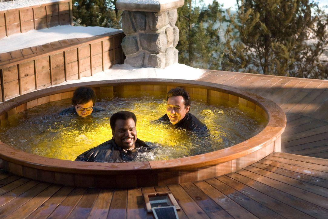 Als sich (v.l.n.r.) Jacob (Clark Duke), Nick (Craig Robinson), Adam (John Cusack) und Lou einen Kurzurlaub in einem Ski Resort mit Whirlpool gönnen,... - Bildquelle: 2010 Twentieth Century Fox