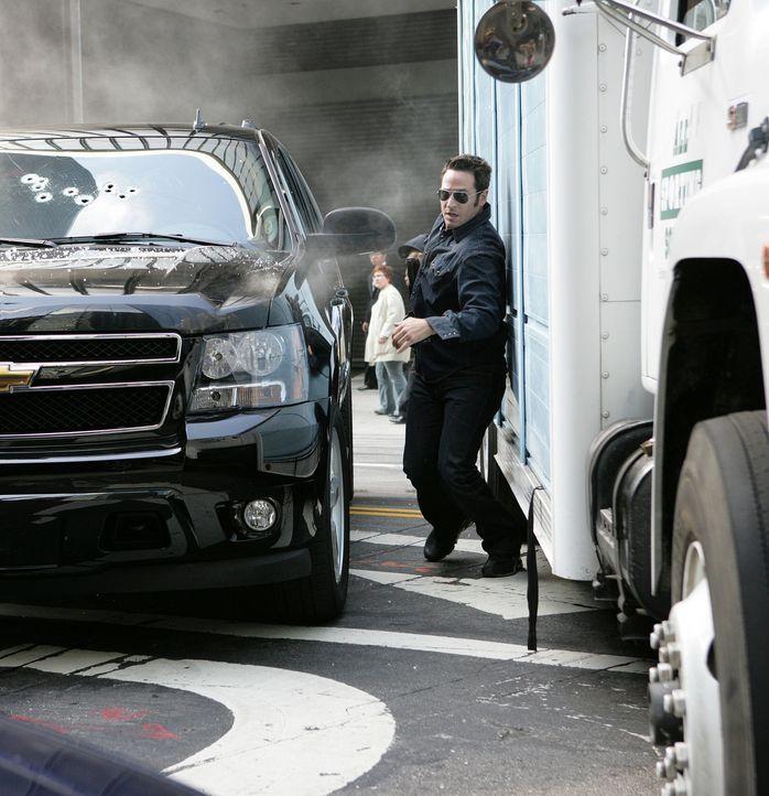 Ein Kampf auf Leben und Tod beginnt: Don Eppes (Rob Morrow) ... - Bildquelle: Paramount Network Television