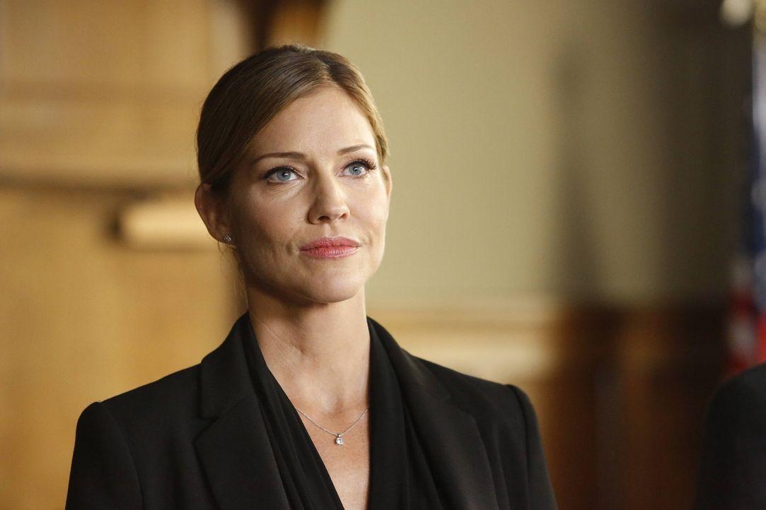 Charlotte (Tricia Helfer) schreckt vor nichts zurück, um Lucifer davon zu überzeugen, mit ihr die Welt der Menschen zu verlassen. Doch geht sie mit... - Bildquelle: 2016 Warner Brothers