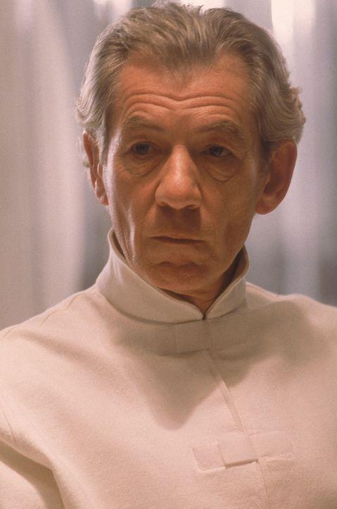 Glaubt nicht an den Traum eines friedlichen Zusammenlebens von Menschen und Mutanten: Der verbitterte Mutant Magneto (Ian McKellen) bereitet sich au... - Bildquelle: 2000 Twentieth Century Fox Film Corporation. All rights reserved.