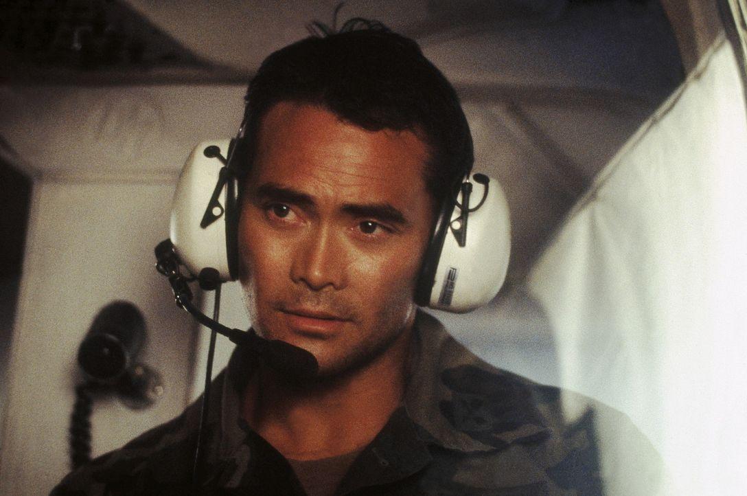 Colonel Ryan Beckett (Marc Dacascos) steht vor einer schwierigen Aufgabe ... - Bildquelle: Highlight Film