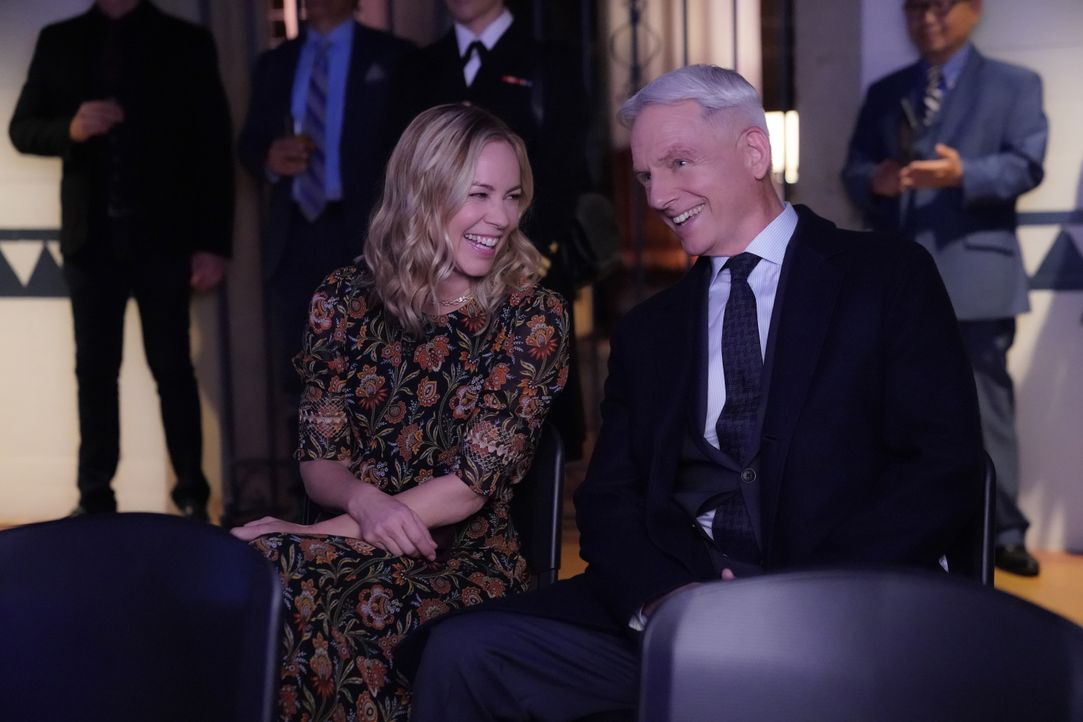 Jack Sloane (Maria Bello, l.); Leroy Jethro Gibbs (Mark Harmon, r.) - Bildquelle: Greg Gayne 2019 CBS Broadcasting, Inc. All Rights Reserved. / Greg Gayne