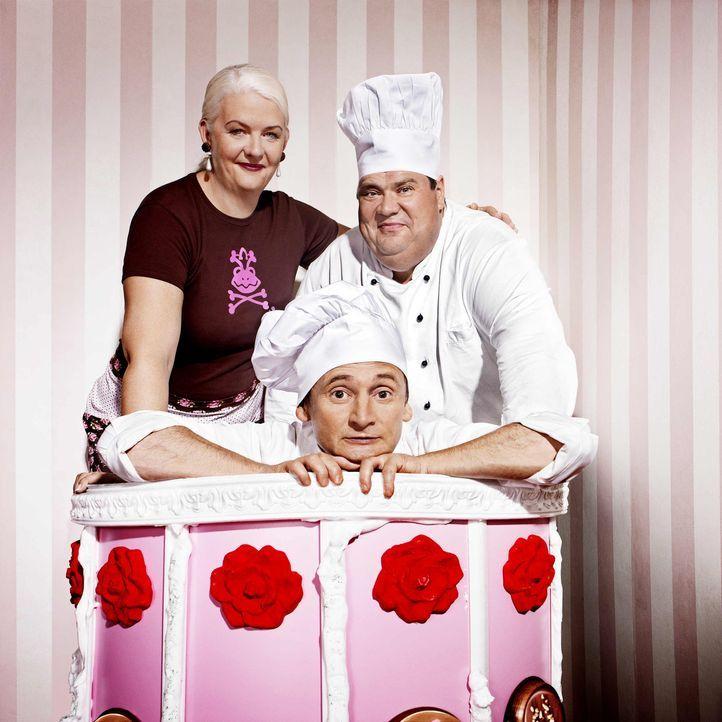 Die Hamburger Originale Frank Steidl (M.) und Thomas Horn (r.) sind Konditormeister der Extraklasse. Ihre Spezialität: Mega-Torten. Unterstützt we... - Bildquelle: kabel eins