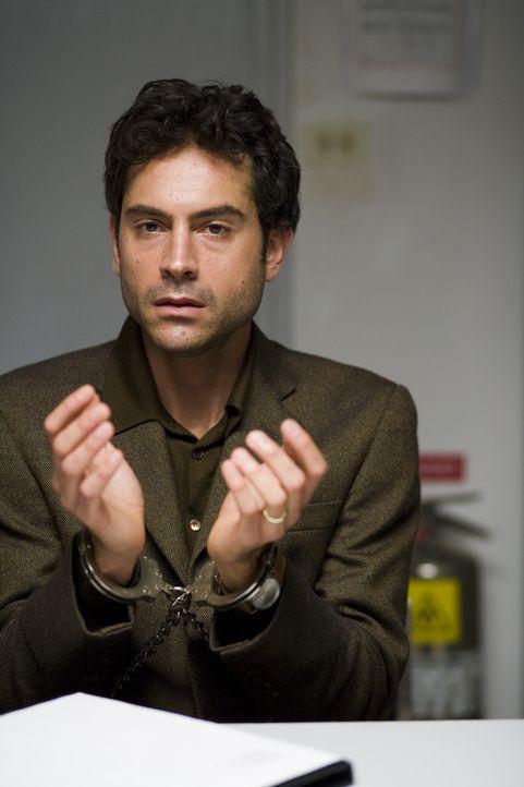 Findet sich nach einem Flug von Südafrika nach Washington D.C. in einem Albtraum wieder: Folteropfer Anwar El-Ibrahimi (Omar Metwally) ... - Bildquelle: Warner Brothers