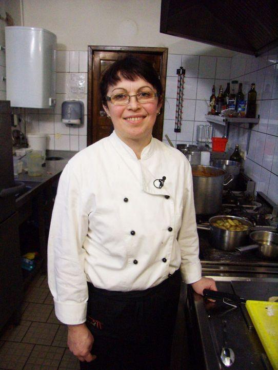 """Die Köchin Lena Solovev hofft sehr, dass Frank Rosin dem Restaurant """"Hemingway"""" wieder auf die Beine hilft. - Bildquelle: kabel eins"""