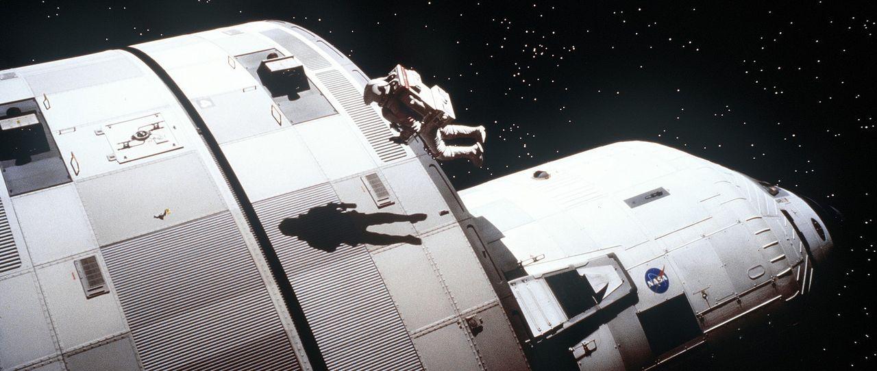 Aufgrund eines Lecks durch einen Meteoriteneinschlag gerät die Crew in einen gefährlichen Sauerstoffmangel. Während Woody Blake (Tim Robbins) ver... - Bildquelle: Touchstone Pictures