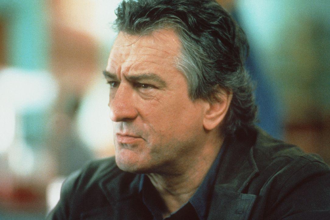 Eigentlich will Nick (Robert De Niro) seine Verbrecherkarriere beenden, um sich ganz seiner Freundin Diane widmen zu können. Da bietet sich dem alt... - Bildquelle: Paramount Pictures