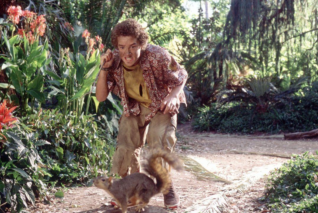 Im Überlebenskampf mit nahrhaften Insel-Ungeheuern: der hungrige Louis (Shia LaBeouf) ... - Bildquelle: The Disney Channel