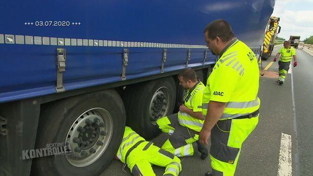 Achtung Kontrolle - Achtung Kontrolle! - Thema U.a.: Lkw-unfall Im Reiseverkehr - Abschlepper Bauereiß