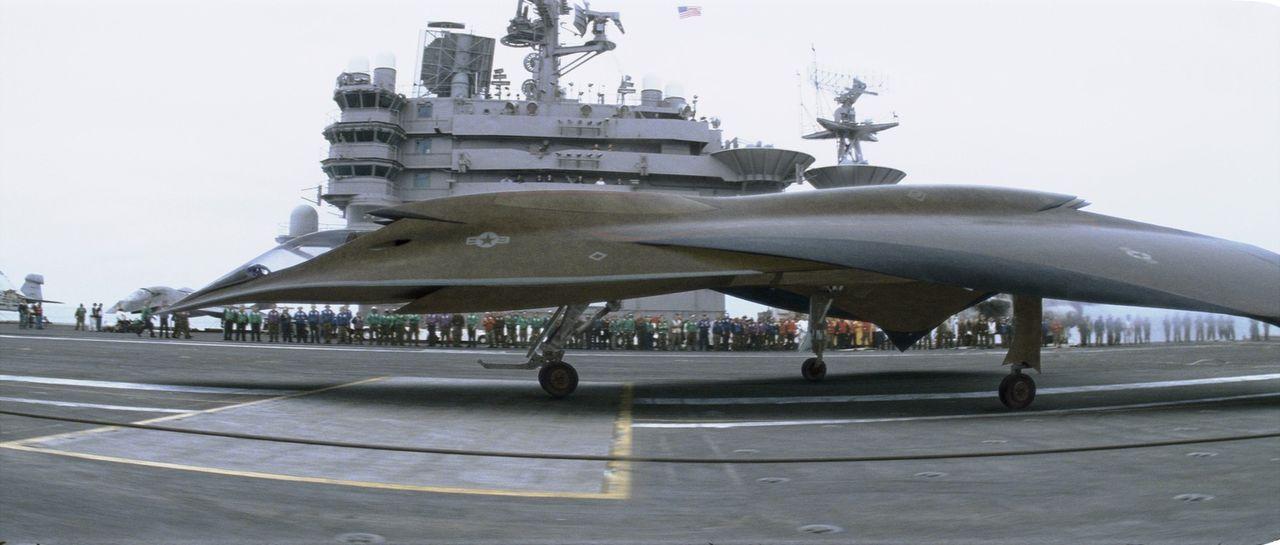 """""""EDI"""" ist ein hochmoderner Tarnkappenbomber, der nicht von einem Piloten, sondern von einem Computer mit künstlicher Intelligenz gesteuert wird. Doc... - Bildquelle: 2005 Columbia Pictures Industries, Inc. All Rights Reserved."""