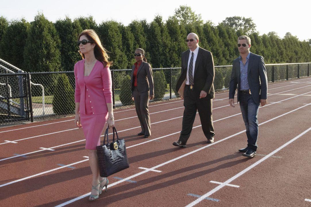 Versuchen gemeinsam ein Verbrechen aufzuklären: Megan (Dana Delany, l.), Peter (Nicholas Bishop, r.), Samantha  (Sonja Sohn, 2.v.l.) und Bud (John... - Bildquelle: ABC Studios