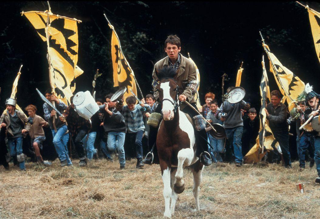 Auf in den Kampf: Fergus (Gregg Fitzgerald) hoch zu Ross ... - Bildquelle: 2000 Warner Bros. International Television Distribution