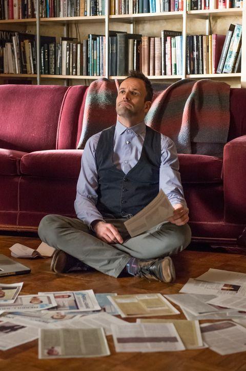 Bekannt für seine ungewöhnlichen Ermittlungsmethoden, die meist zu einem guten Ergebnis führen: der geniale Kopf Sherlock Holmes (Jonny Lee Miller)... - Bildquelle: Jeff Neumann CBS Television