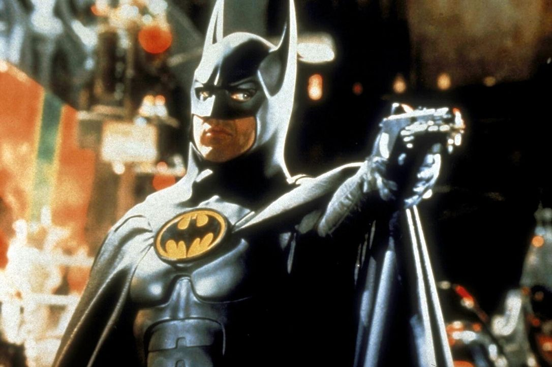 Die seltsamen Verbrechen in Gotham City machen Batman (Michael Keaton) große Sorgen ... - Bildquelle: Warner Bros.