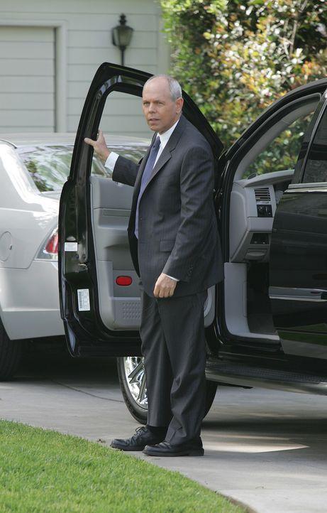 Gibbs versucht von Fornell (Joe Spano) zu erfahren, warum sich alle Mitarbeiter einem Lügendetektortest unterziehen müssen  ... - Bildquelle: CBS Television