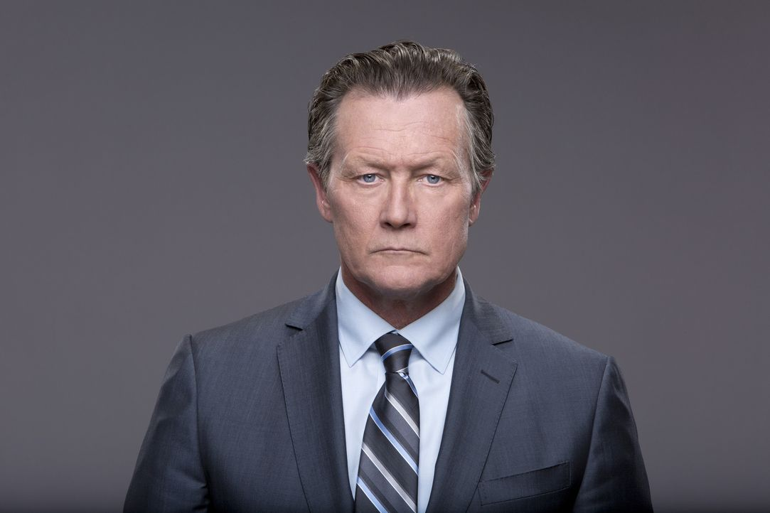 (1.Staffel) - Mit FBI-Agent Cabe Gallo (Robert Patrick) haben die Superhirne ein Sprachrohr zur Regierung ... - Bildquelle: Sonja Flemming 2014 CBS Broadcasting, Inc. All Rights Reserved
