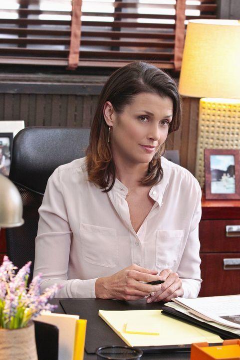 Trotz der Aufklärung von Frank über die Treffen mit den der Mafia zugehörigen Gestalten ist Erin (Bridget Moynahan) misstrauisch, wie ihr Vater die... - Bildquelle: Giovanni Rufino 2012 CBS Broadcasting Inc. All Rights Reserved.
