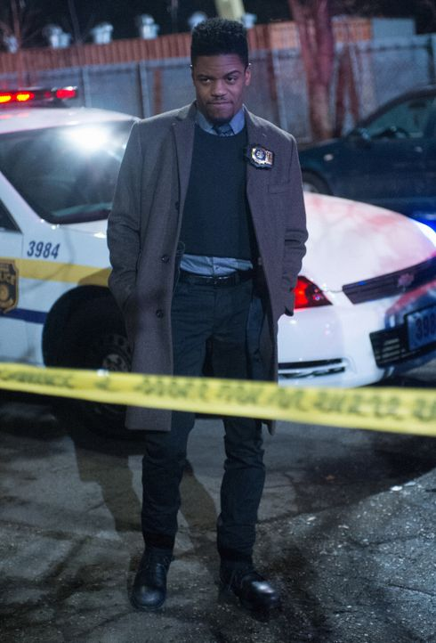 Detective Marcus Bell (Jon Michael Hill) - Bildquelle: Jeff Neira 2017 CBS Television. All Rights Reserved/Jeff Neira