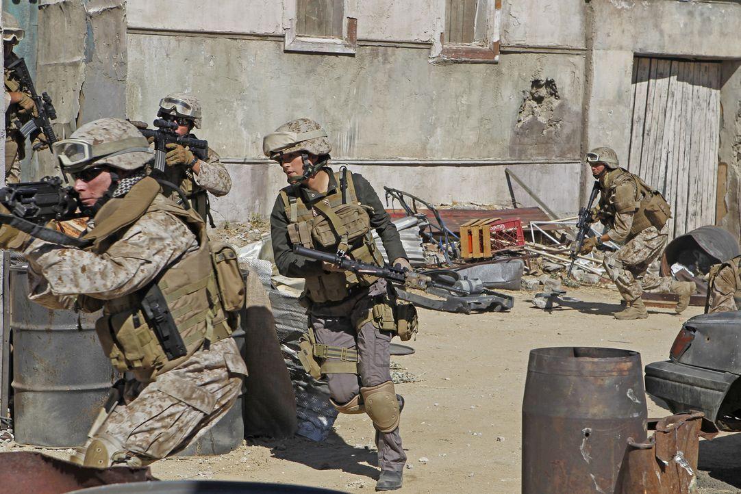 Die Suche nach einer verschwundenen Marinesoldatin führt Gibbs und Ziva (Cote de Pablo, M.) nach Afghanistan, an ihren letzten bekannten Aufenthalts... - Bildquelle: CBS Television