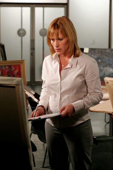 Der aktuelle Fall entpuppt sich schwieriger, als Allison Dubois (Patricia Arquette) anfangs angenommen hat … - Bildquelle: Paramount Network Television