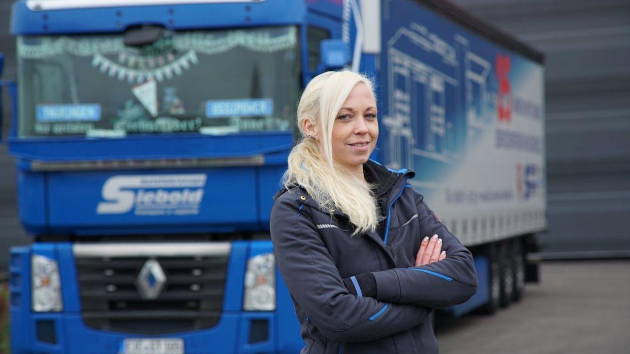 Die coole Anne Laufer aus dem Eichsfeld in Thüringen ist seit acht Jahren Truckerin mit Leib und Seele ... - Bildquelle: kabel eins
